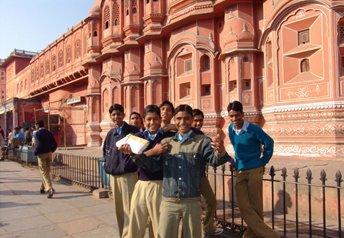 DAY 02 : DELHI - AGRA